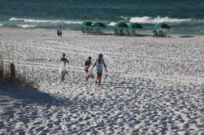 Beach Clean-Up 2016 12.jpg